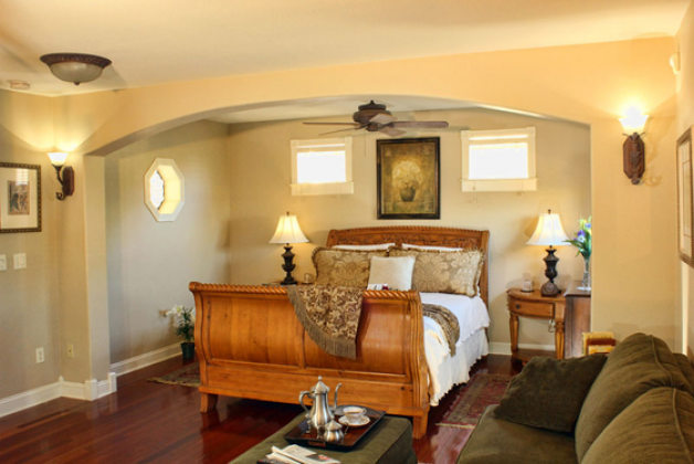 Spring Street Inn Bed & Breakfast - Hot Springs, Arkansas, carriage 4