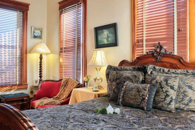 Spring Street Inn Bed & Breakfast - Hot Springs, Arkansas, jockey